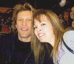 A big fan of Bon Jovi for many years, Joanne sat in his box and watched the Jon Bon Jovi-owned arena team Philadelphia Soul beat the Colorado Crush!
